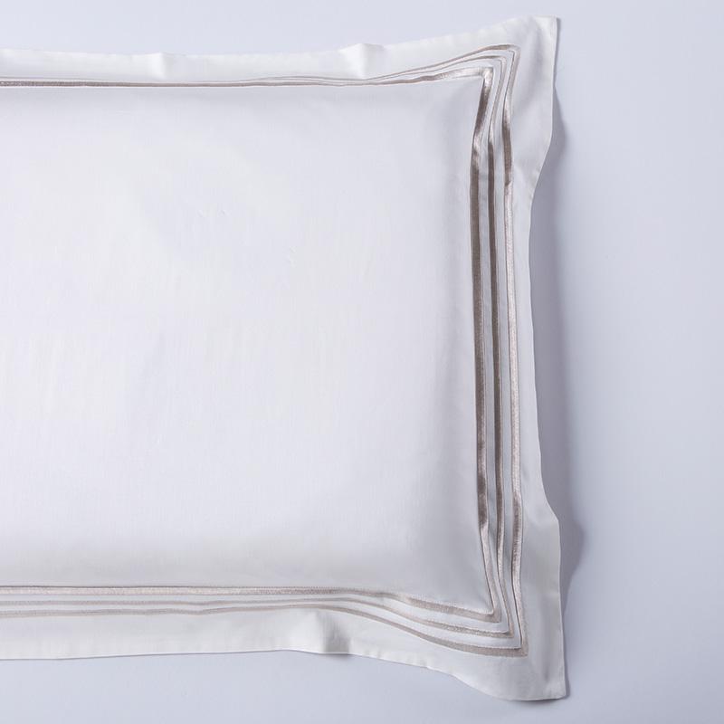 莱薇 美式60支素色长绒棉刺绣四件套斐瑞尔220*240cm ·白色