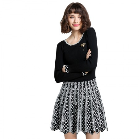 Mareunrols经典黑白提花圆领长袖针织连衣裙·黑色