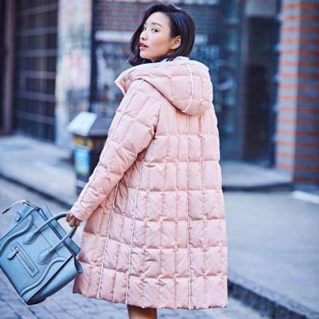 尚浓冬季新款保暖连帽中长款牛角扣外套时尚减龄白鸭绒羽绒服·粉色